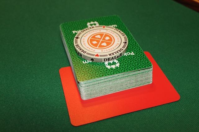 A diferencia del poker presencial, en su versión online suele haber gran variedad de mesas para elegir