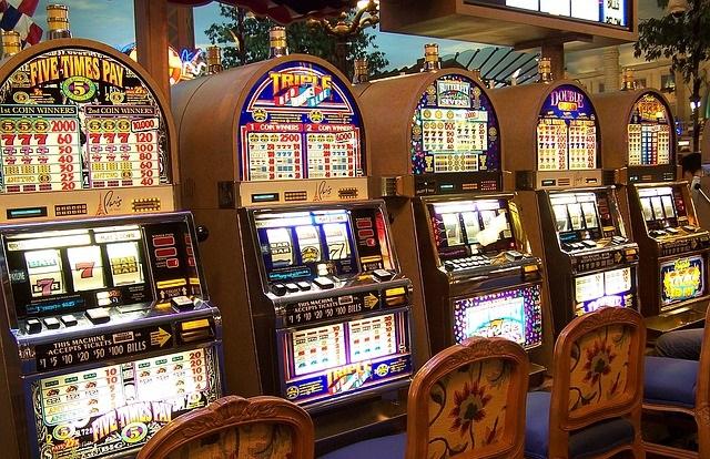 Lo primero que debéis hacer es decidir en qué casino jugaréis slot o tragaperras en vuestro móvil