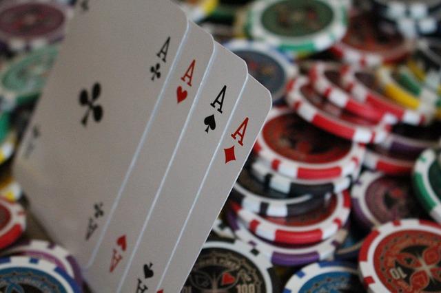 Conocer las técnicas, estrategias y trucos que os ayudarán a ganar en poker online resultará de gran utilidad antes al jugar en este apasionante juego
