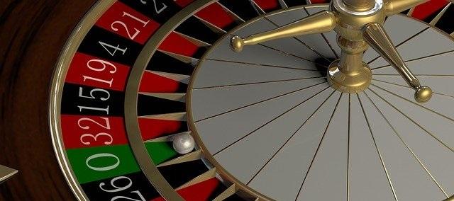 Miles de personas ganan dinero jugando a la ruleta en toda España, en casinos reales y online