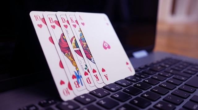 Un virtual casino es tan divertido como un casino real y cumple con el mismo fin, generar ingresos de forma rápida