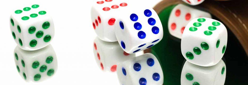 Los dados es un juego de azar que se juega en casinos
